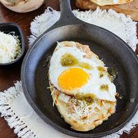 Cómo hacer huaraches con huevo y con pollo. Receta de comida mexicana casera