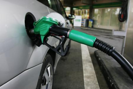 El barril de petróleo caerá a los 20 euros, ¿y la gasolina?