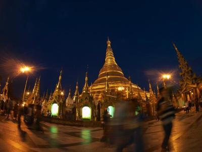 Shwedagon, probablemente la estupa más impresionante del Sudeste Asiático
