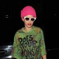 Rita Ora pregunta si le viste un monstruo (y debe hacerlo)