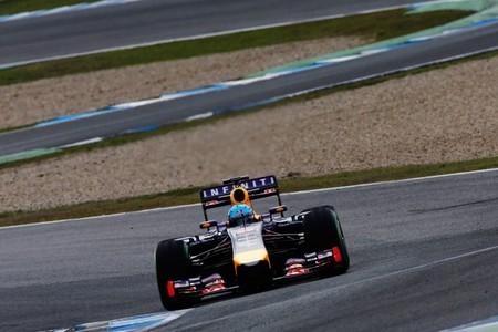 Renault sigue trabajando para solucionar los problemas de software en su V6