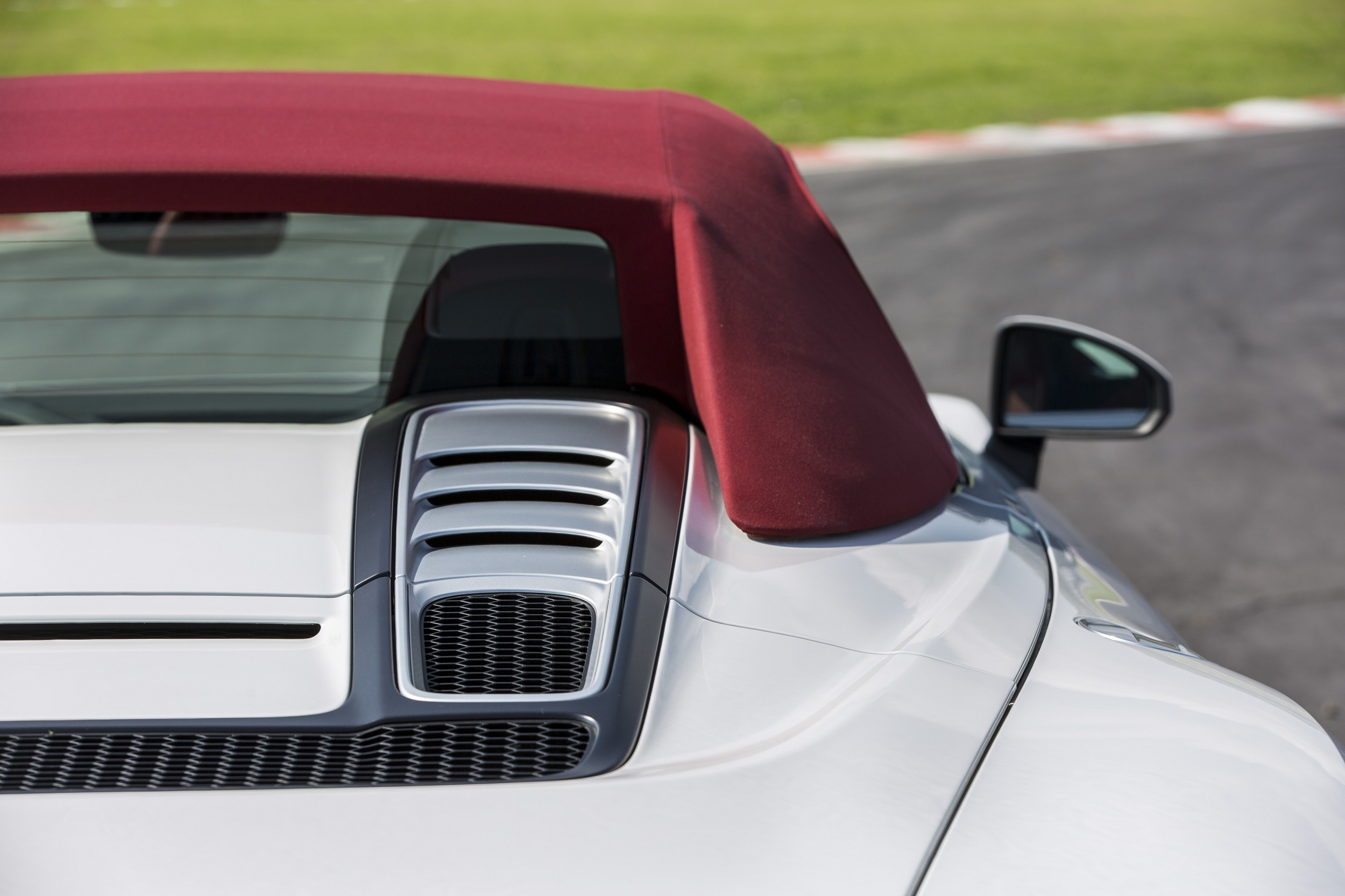 Foto de Audi R8 Spyder (20/38)
