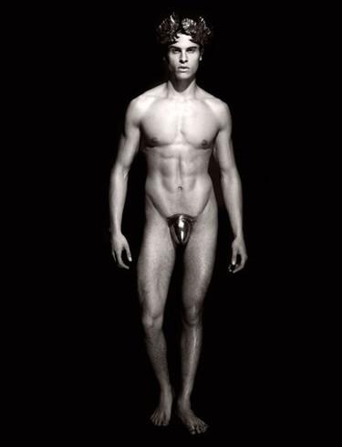 ¿Quieres exclusividad y cuerpos serranos? Pues toma calendario Pirelli 2011