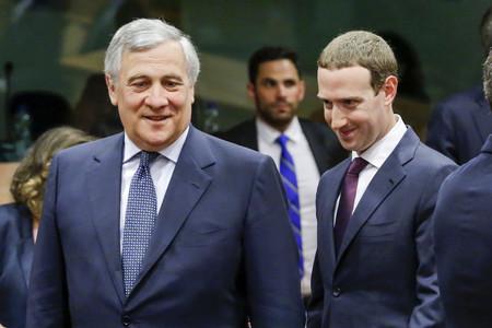 Las 13 preguntas del Parlamento de la UE a las que Mark Zuckerberg no ha respondido ante el escándalo de privacidad de Facebook