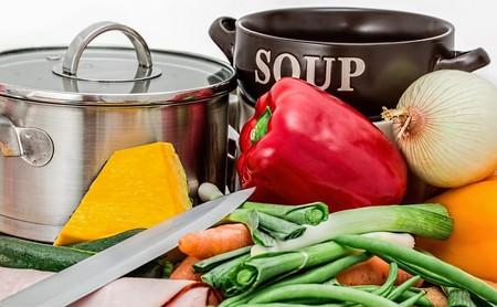 Qué caldos son mejores para elaborar tus sopas, guisos y recetas de arroces