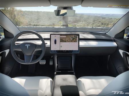 Tesla Model 3 Prueba habitáculo