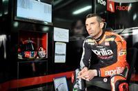 Marco Melandri seguirá en Superbikes con Aprilia