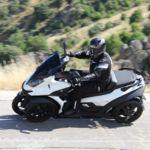 Quadro4, así es la curiosa experiencia de conducir el único scooter de cuatro ruedas