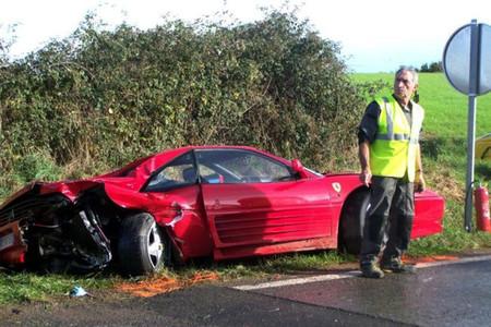 Dolorpasión™: trenecito de Ferraris en la campiña francesa