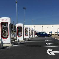 Tesla cumple su promesa: el Supercargador de nueva generación llega a Europa para recargar 120 km de autonomía en 5 minutos