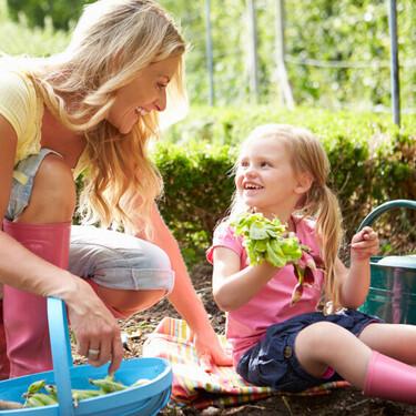 Tener un huerto en las escuelas ayuda a que los niños coman más verduras