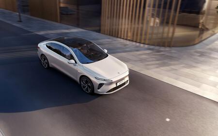 El NIO ET7 es el anti Tesla chino definitivo: batería de 150 kWh para más de 1.000 km de autonomía, y todo un arsenal tecnológico