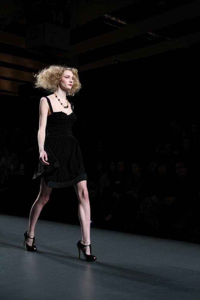 Foto de Alma Aguilar en la Cibeles Madrid Fashion Week Otoño-Invierno 2011/2012 (88/126)