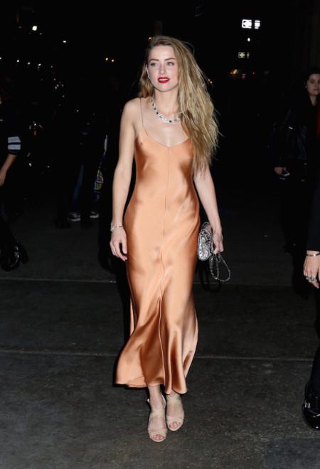 """El """"slip dress"""" es el vestido de moda para el otoño 2015"""