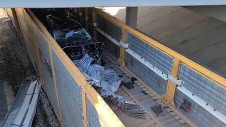 Tren Ford Explorer destrozos dos millones de dólares