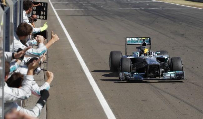 Lewis Hamilton gana el GP de Hungría 2013