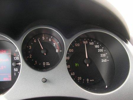 El Gobierno estudia subir el límite de velocidad en autopistas y autovías
