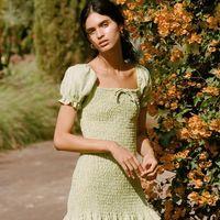 Clonados y pillados: este es el vestido de nido abeja que encontrarás en Faithfull the Brand y en Zara (por mucho menos)