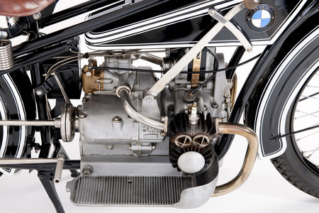 El motor bóxer de BMW celebra 100 años de historia: de la BMW R 32 a la BMW R 18