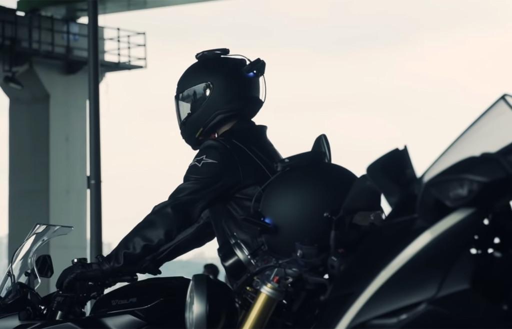 La apuesta de Revan contra los puntos ciegos (y más): un accesorio para el casco con cámaras y HUD que respalda Hyundai y KIA