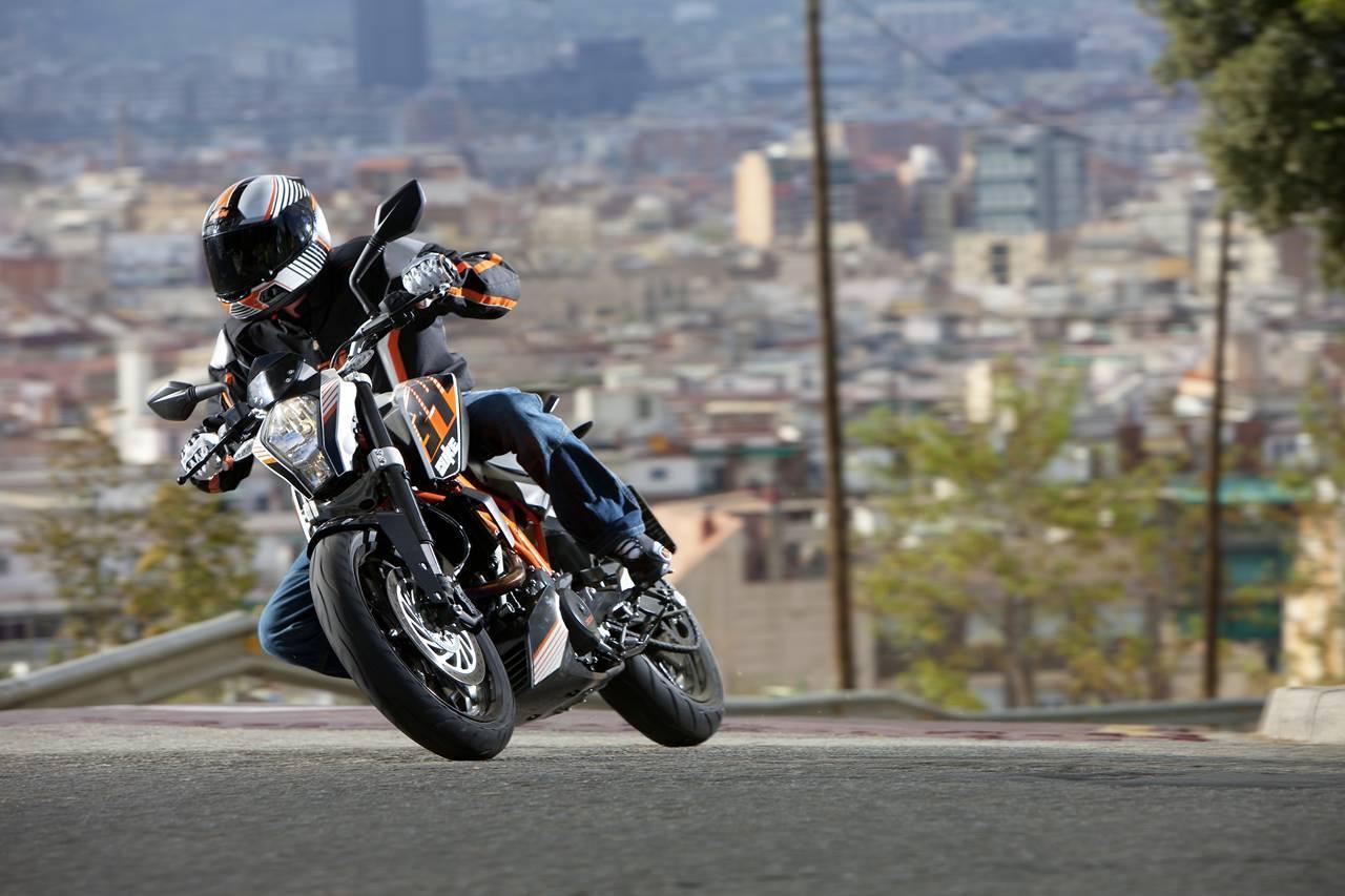 Foto de Salón de Milán 2012: KTM 390 Duke, la saga se completa (7/13)
