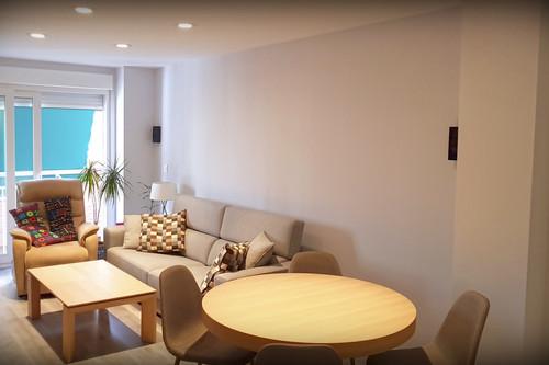 ¿Agobiado por los cables en casa? Estas posibles opciones te pueden ayudar a hacerlos invisibles