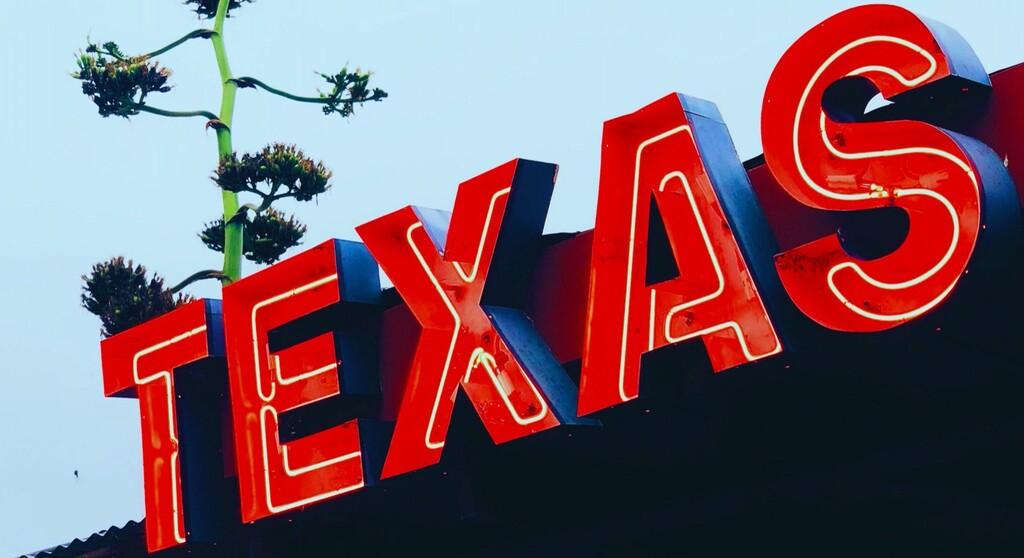 Texas levantó todas las restricciones contra el COVID pese a los aún bajos niveles de vacunación: estamos a punto de ver, en vivo y en directo, si fue una buena idea