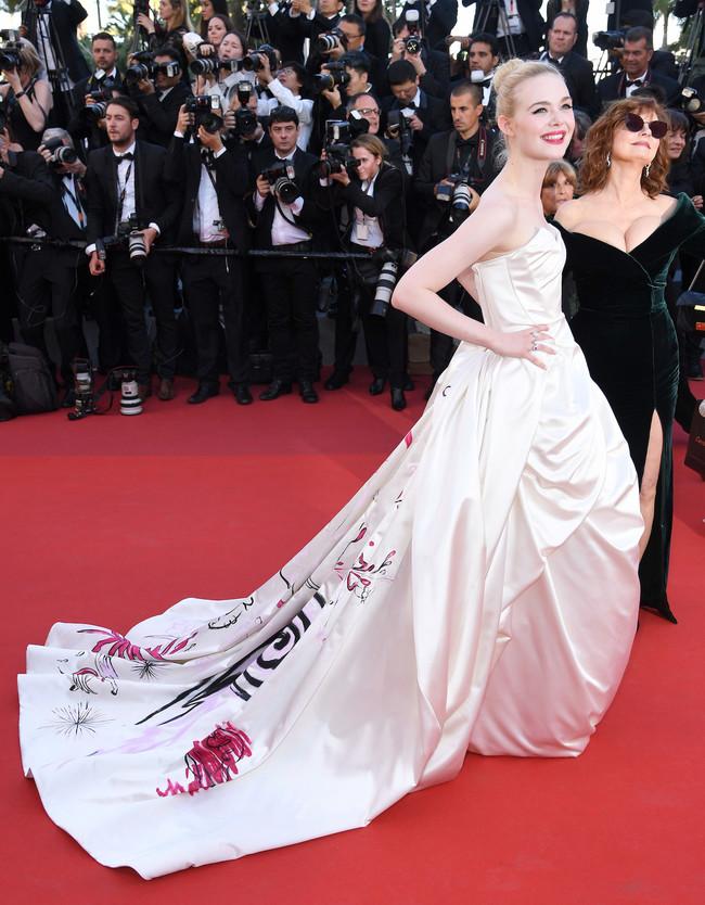 mejor vestidas 2017 alfombra roja Elle Fanning de Vivienne Westwood Couture
