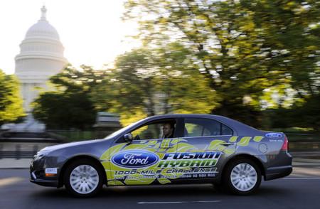 El Ford Fusion Hybrid consigue un récord del Mundo de consumo