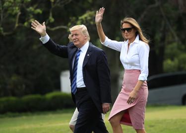 Los zapatos de tacón blancos también pueden ser estilosos, Melania Trump nos lo demuestra