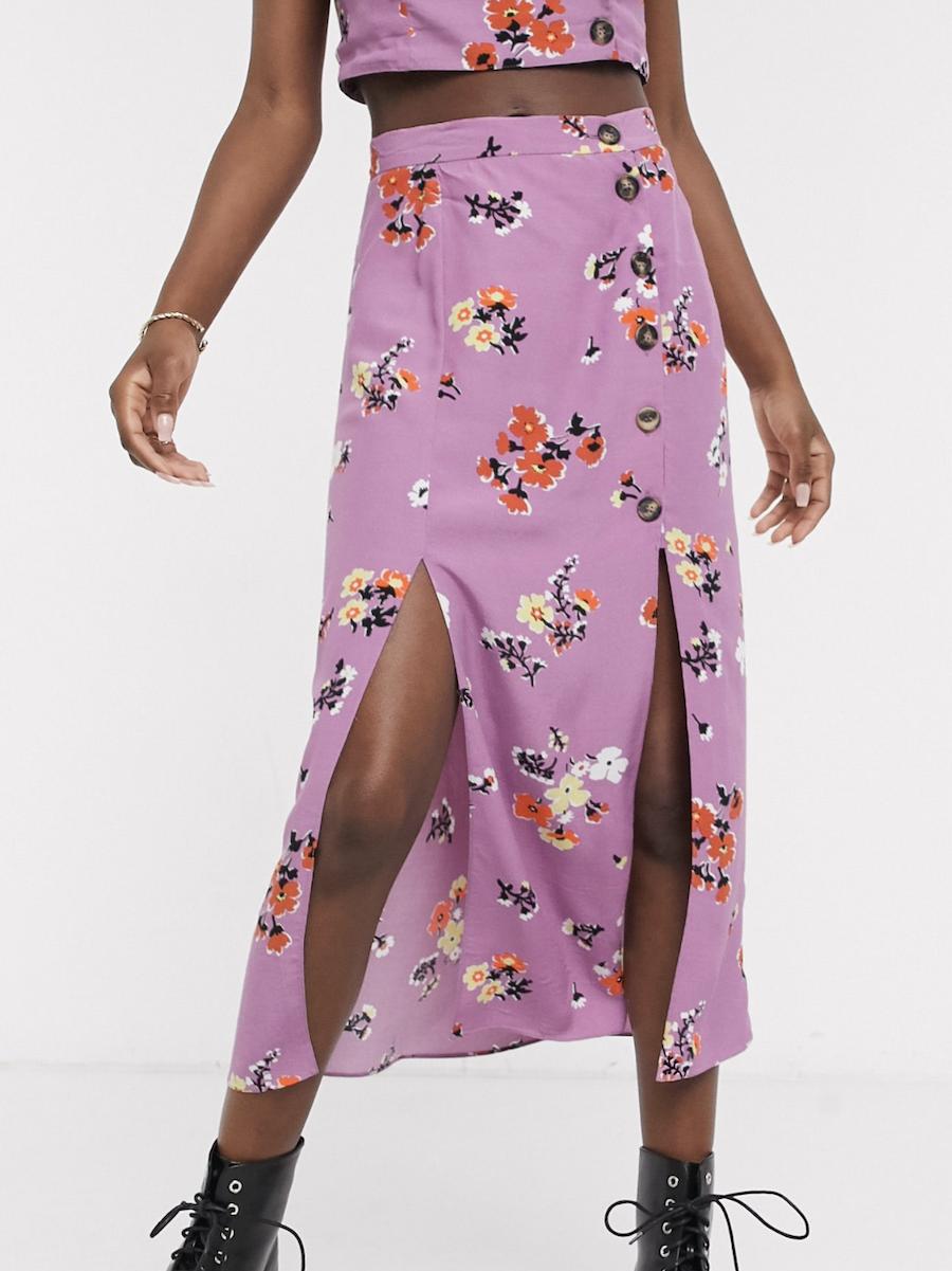 Falda midi con detalle de botones y estampado floral de ASOS DESIGN