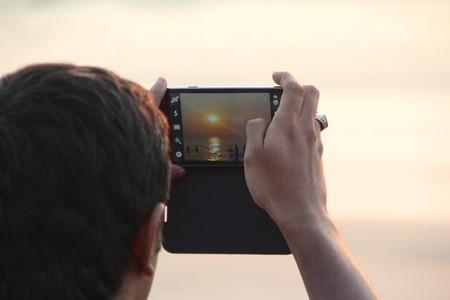 Crea tu bilblioteca digital de fotografías y respáldalas para siempre con estos servicios en la nube