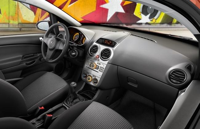 Opel Corsa 2011 04