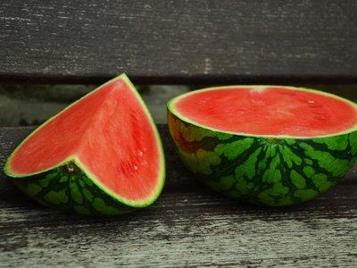 Los beneficios de la sandía: más allá de una fruta refrescante para el verano