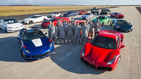 Video: 12 de los mejores autos del mundo se enfrentan en el nuevo episodio del Drag Race 2017