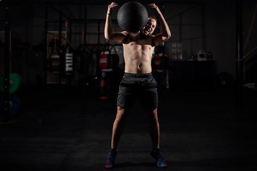 ¿CrossFit o entrenamiento funcional? Estas son sus diferencias y qué puedes esperar de cada uno de ellos