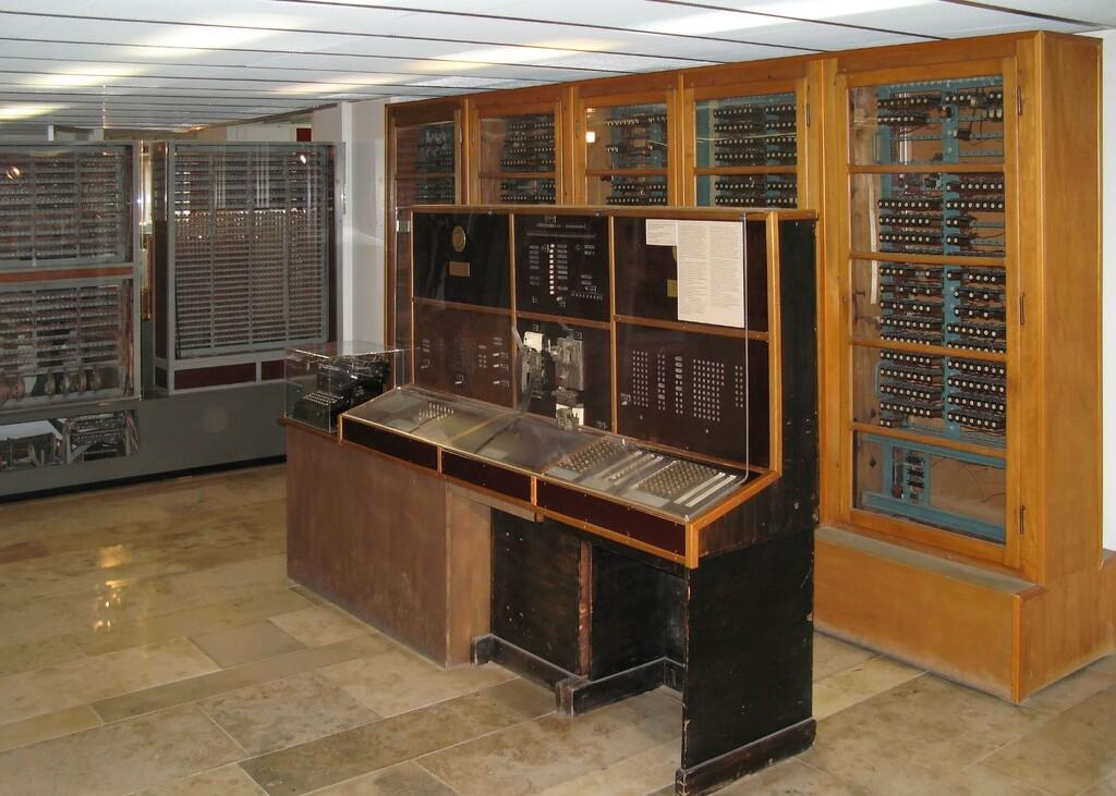 El Zuse Z4 fabricado en 1945 es el ordenador más antiguo del mundo: tardaba tres segundos en hacer una multiplicación