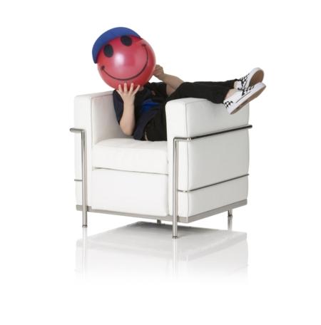 Sillas y sillones de dise o para los m s peque os for Sillones para ambientes pequenos