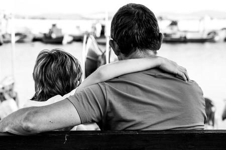 Ser o no ser amigos de nuestros hijos: qué es lo mejor para ellos