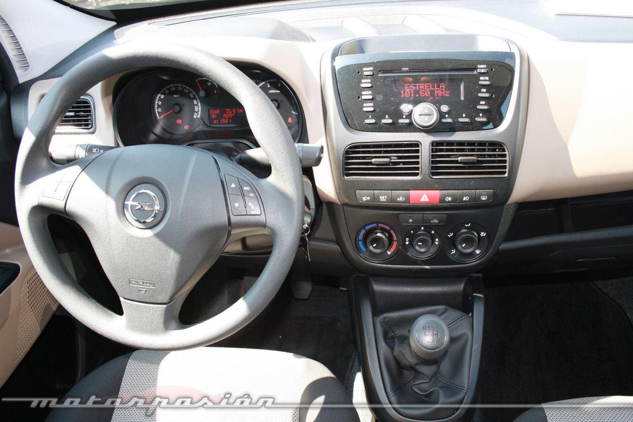Foto de Presentación Opel Combo 2012 (8/28)