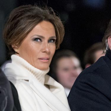 Melania Trump se viste de reina de las nieves con este abrigazo de Max Mara de más de 2.000 euros