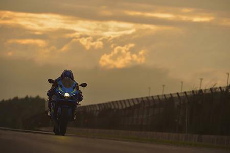 Por un precio de 18.899 euros, la Suzuki GSX-R1000 2017 es la Superbike más barata del mercado español