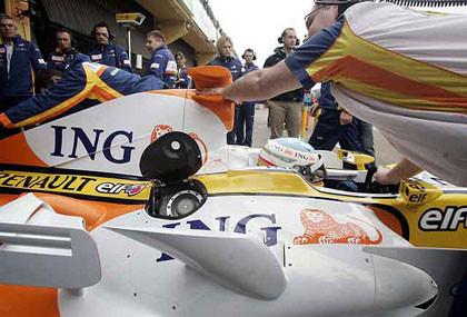 Las fotos del primer día de test del Renault R28