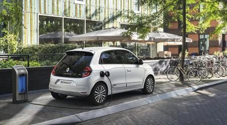 Renault Twingo Electric 2020 Cargando 02