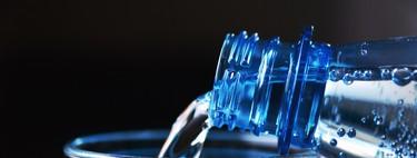 Otro argumento más contra el agua embotellada: encuentran microplásticos en el 90% del agua comercializada alrededor de todo mundo