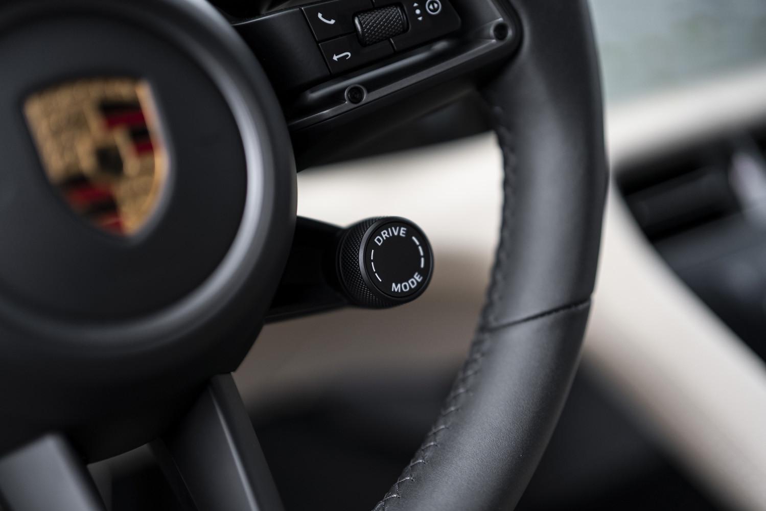 Foto de Porsche Taycan prueba contacto (19/275)