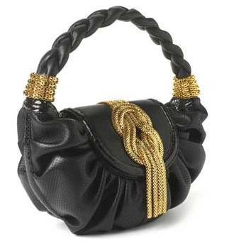 Lara Bohinc: bolsos con detalles en oro