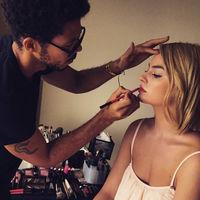 El nuevo maquillador de Chanel se llama Tyron Machhausen y te va a flipar