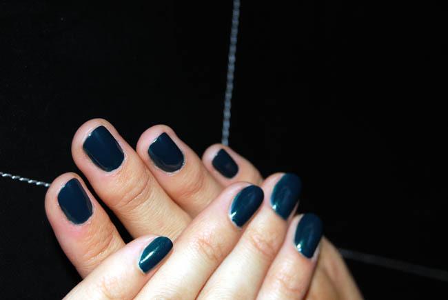 Foto de Manicura de otoño: el nuevo tono de Yves Saint Laurent Wintergreen nº 43 (3/5)