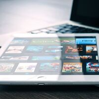 Apple se planteó castigar a Netflix cuando quiso quitar el pago de la suscripción vía Apple y también le propuso ventajas